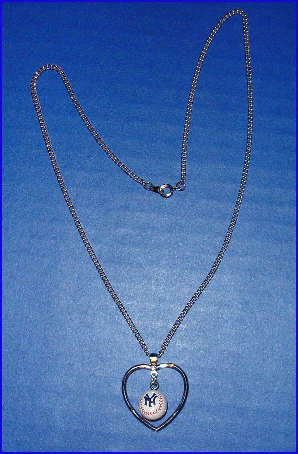 MLB New York Yankees Logo Baseball Heart Necklace